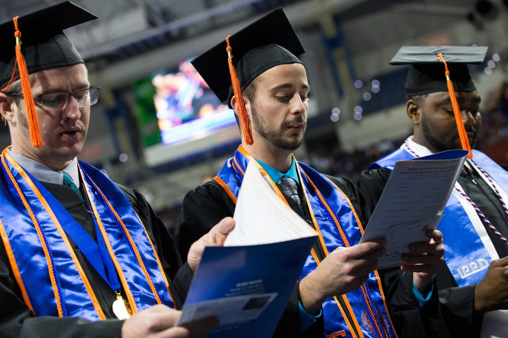 """Graduates recite """"Obligation of the Engineer"""" oath"""